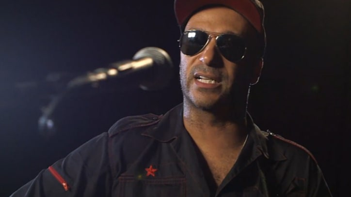 Tom Morello Joins Agit8 With 'Flesh Shapes the Day' Live