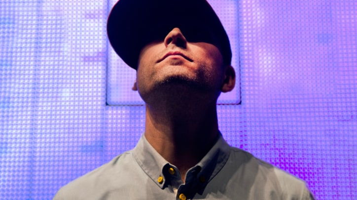 Kaskade Runs Wild in the 'Atmosphere' – Premiere