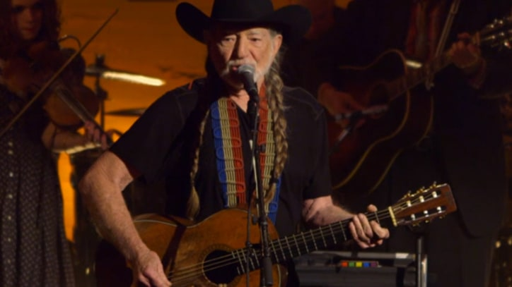Jack White and Willie Nelson Perform 'Red Headed Stranger'