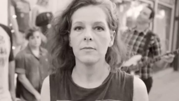 Neko Case Plays 'Man' in Dressing Room