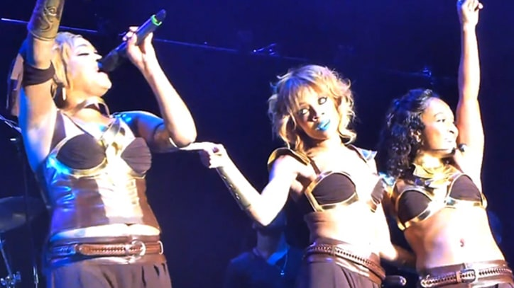 TLC Bring Out Lil Mama for 'No Scrubs' at Mixtape Festival