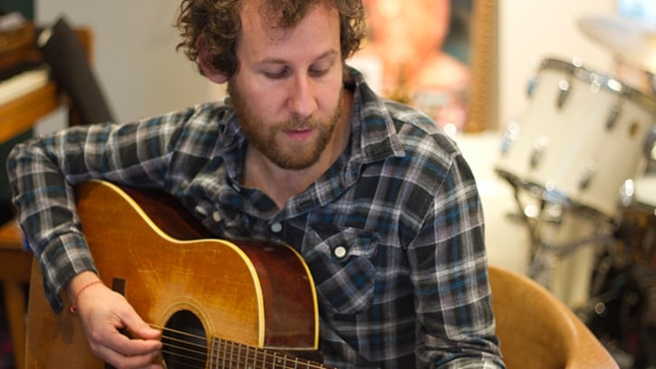 Ben Lee Seeks Inner Child in 'On My Knees' – Premiere