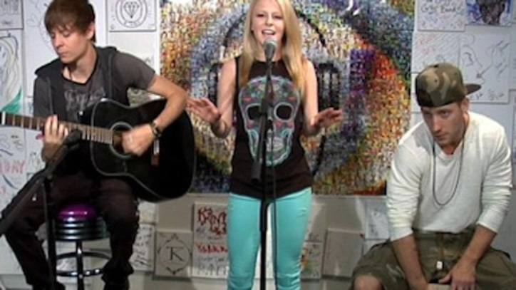 See Idol Hollie Cavanagh Perform Live at Yahoo! Music