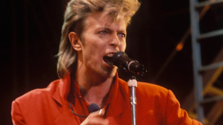Flashback: David Bowie Faces Heat on Glass Spider Tour
