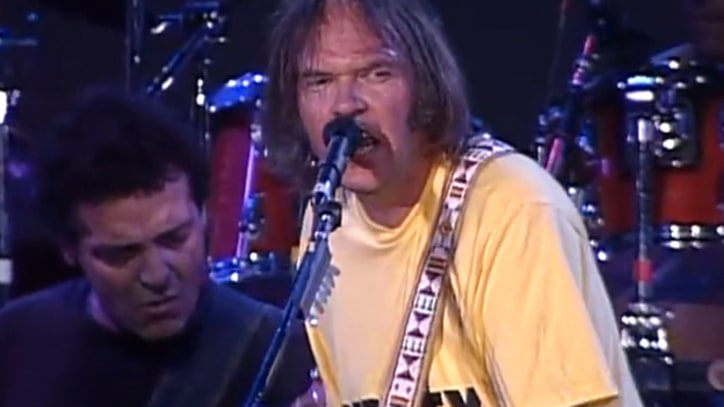 Flashback: Neil Young and Crazy Horse Jam With Willie Nelson