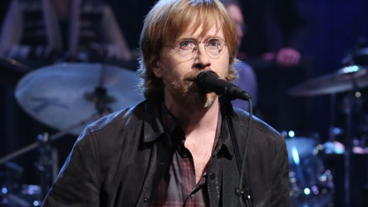 Trey Anastasio Jams With Furthur on 'Casey Jones' at Lockn' Festival