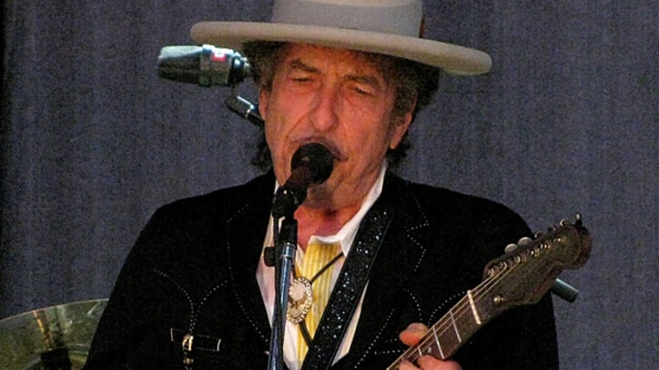 Flashback: Bob Dylan Plays for Obama at the White House
