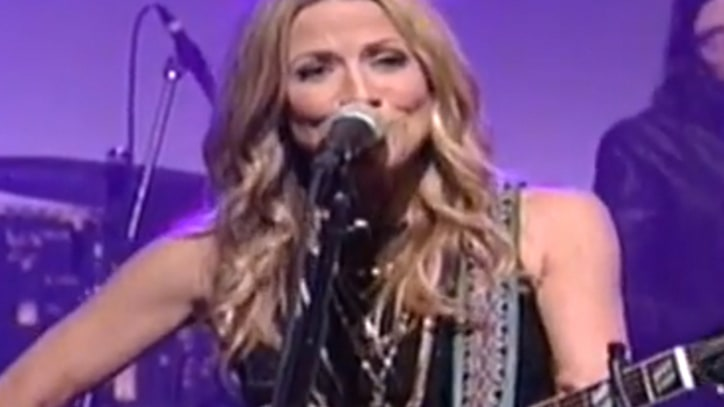 Sheryl Crow Makes It 'Easy' on 'Letterman'