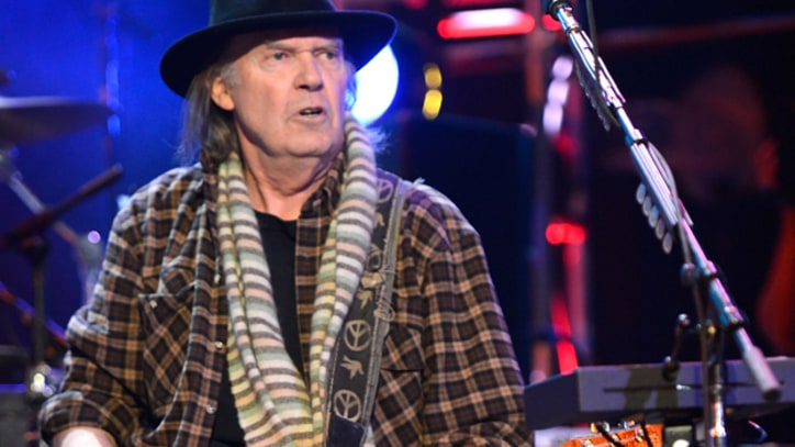 Neil Young Debuts New Song at 300-Seat Club in Boston