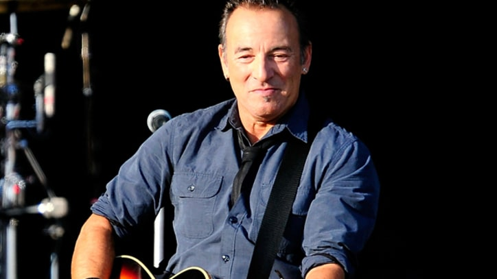 Bruce Springsteen Honors Chilean Folk Hero Victor Jara in Santiago