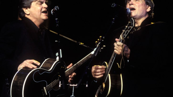 Flashback: Everly Brothers Reunite for Simon and Garfunkel