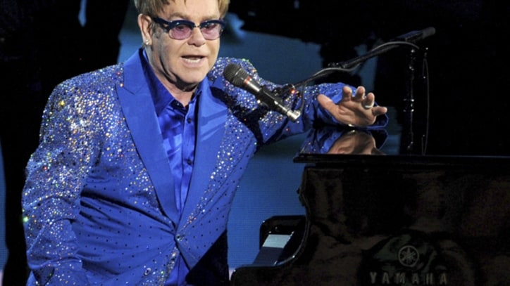 Elton John Sings for Liberace at Emmys