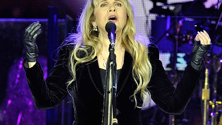Christine McVie Joins Fleetwood Mac on 'Don't Stop'