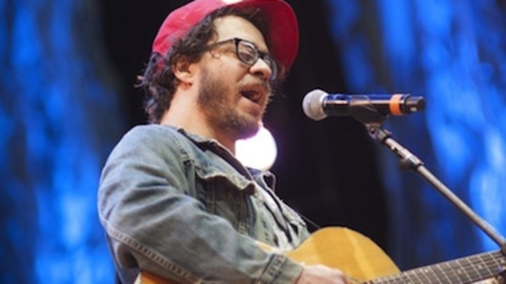 Amos Lee: Philly Native Takes the Road to Nashville for Latest Album