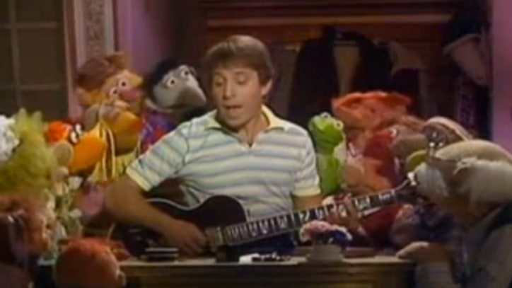 Flashback: Paul Simon Guests on 'The Muppet Show'