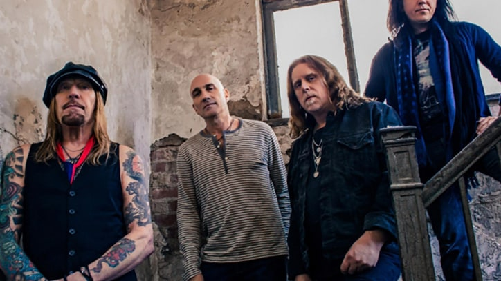 Gov't Mule Raids Fruit Bowl in 'Funny Little Tragedy' – Premiere