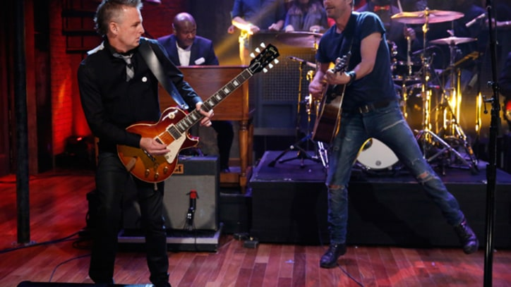 Mike McCready Anchors 'Alive' With Dierks Bentley, the Roots