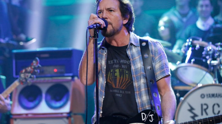 'Fallon' Wraps Pearl Jam Week With 'Lightning Bolt'