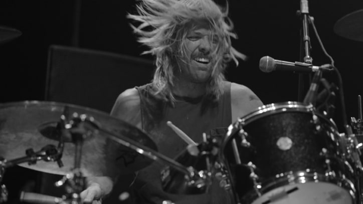 Taylor Hawkins and Chevy Metal Hit the Road – Premiere