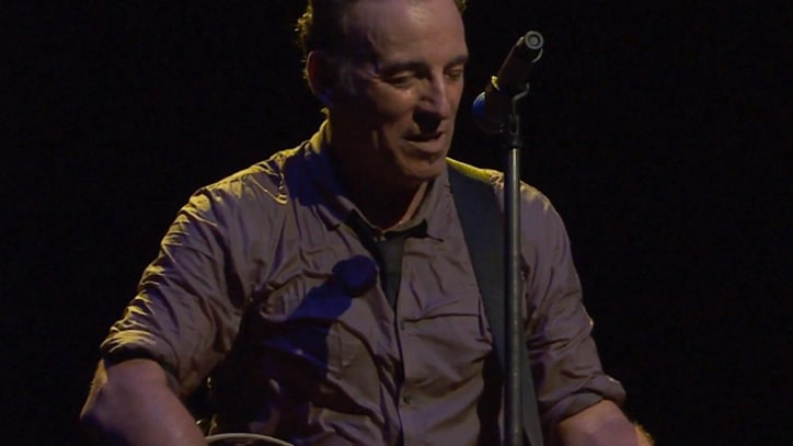 Bruce Springsteen Releases Rare 'Secret Garden' Performance
