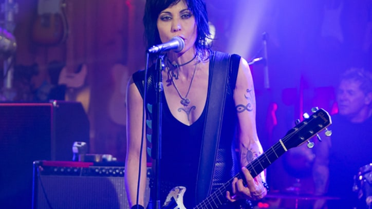 Joan Jett Rocks 'Bad Reputation' Live – Premiere