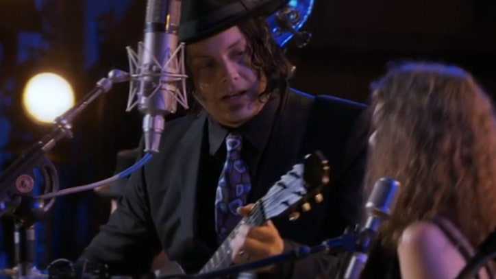Jack White Sings 'Friends' at 'Inside Llewyn Davis' Gig
