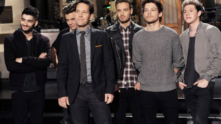 One Direction Debut 'Through the Dark' on 'SNL'