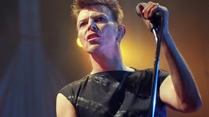 Flashback: David Bowie Plays Howard Stern's 44th Birthday Bash in 1998