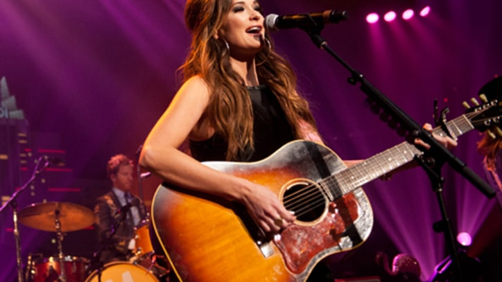Watch Kacey Musgraves Perform 'Step Off' and Cover Bob Marley