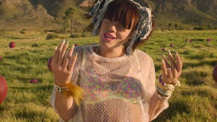 Lily Allen Reenacts 'Gravity' in 'Air Balloon' Clip