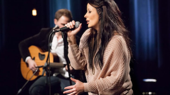 You Really Can't Slow Sara Evans Down