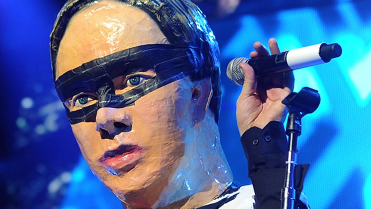 Julian Casablancas Crashes Arcade Fire Show Wearing Win Butler Mask
