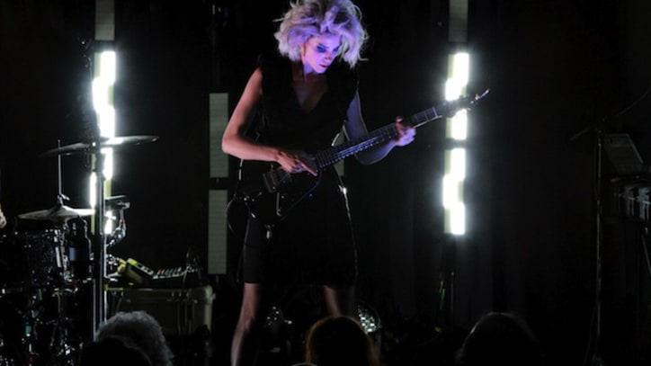 St. Vincent, Muse Pay Tribute to Kurt Cobain With 'Lithium' Covers
