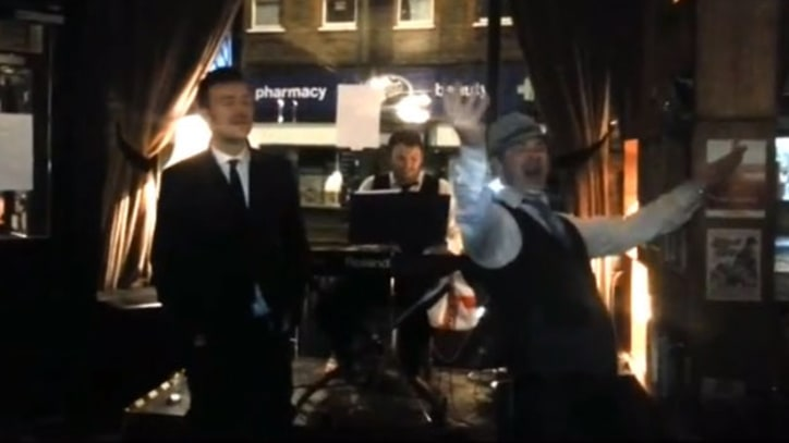 Damon Albarn Leads Pub Attendees Through Rowdy Blur Sing-Along