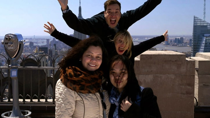 Watch Jimmy Fallon, Cameron Diaz Photobomb Tourists
