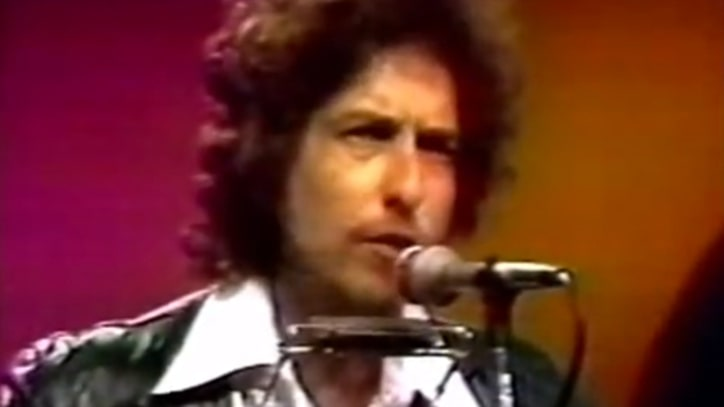 Flashback: Bob Dylan Debuts 'Hurricane' In 1975