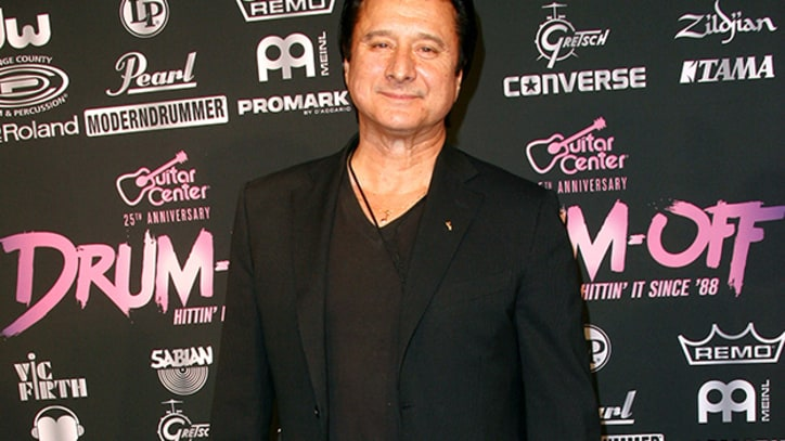 Ex-Journey Singer Steve Perry Sings Publicly for First Time in Decades
