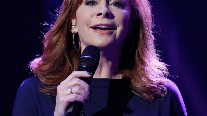 Reba McEntire Recruits Friends Around the World to 'Pray for Peace'