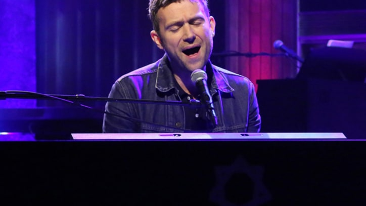 Damon Albarn Performs 'Song 2' Without Blur for the First Time