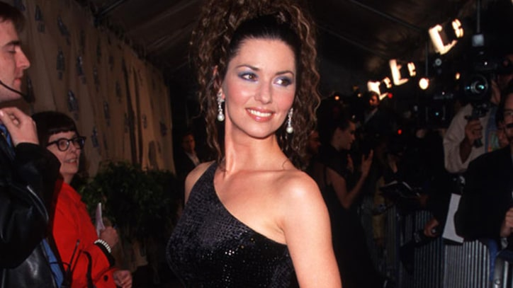 Flashback: Shania Twain Wins CMA Entertainer of the Year