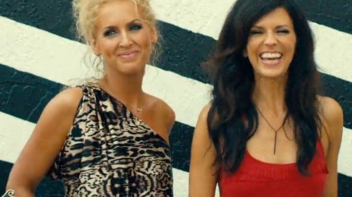 Little Big Town Soak Up Sun and Suds in New Video
