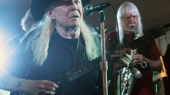 Edgar Winter Pays Tribute to Johnny: 'My Greatest Musical Hero'