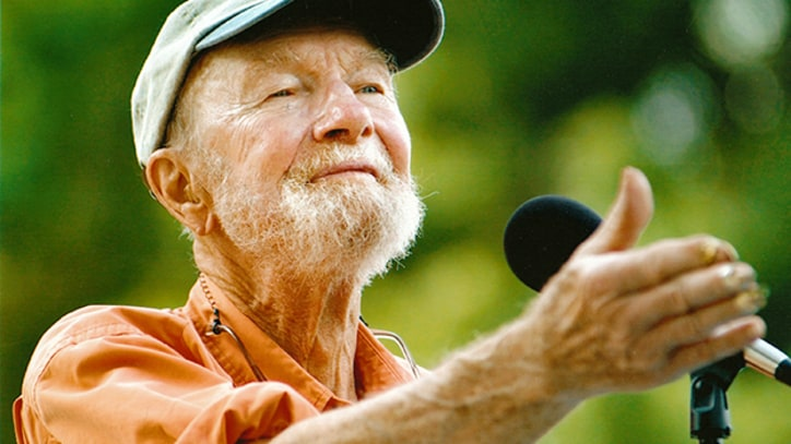 Stream Lincoln Center's Star-Studded Pete Seeger Memorial Concert
