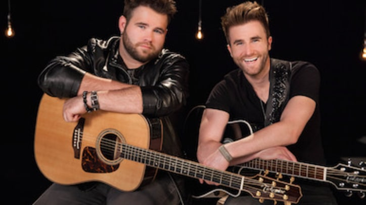 Voice' Duo The Swon Brothers Talk Shelton, Sexiness