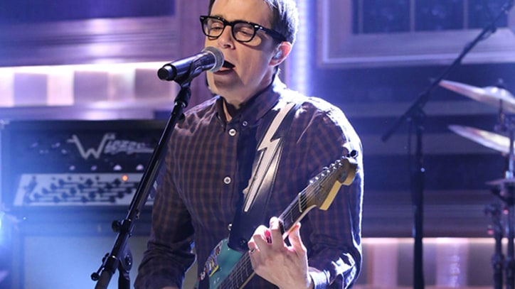 Weezer Bring 'Back to the Shack' and the Lightning Strap to 'Fallon'