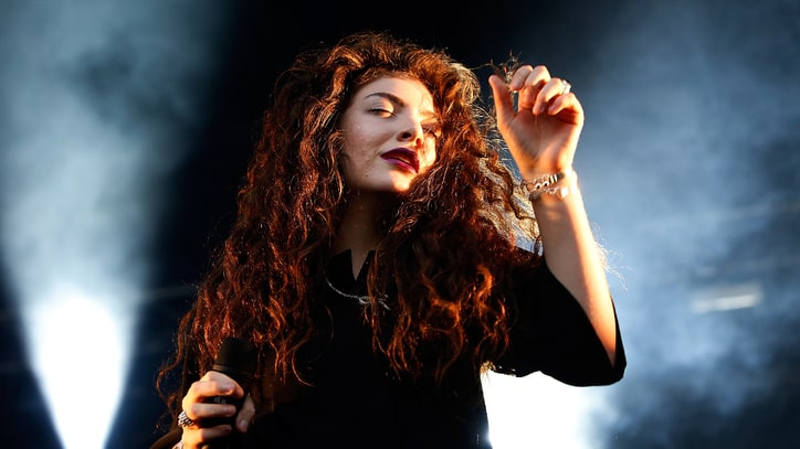 Lorde to Curate, Release New Single for New 'Hunger Games' Soundtrack