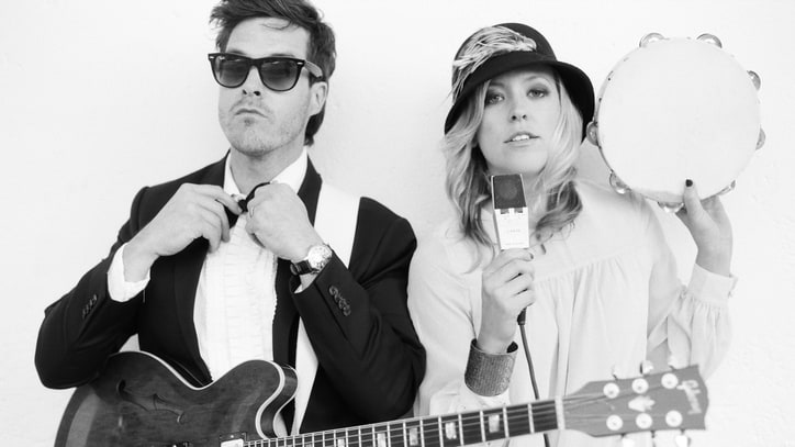 Watch Sugar + the Hi Lows Cover Cash — Video Premiere