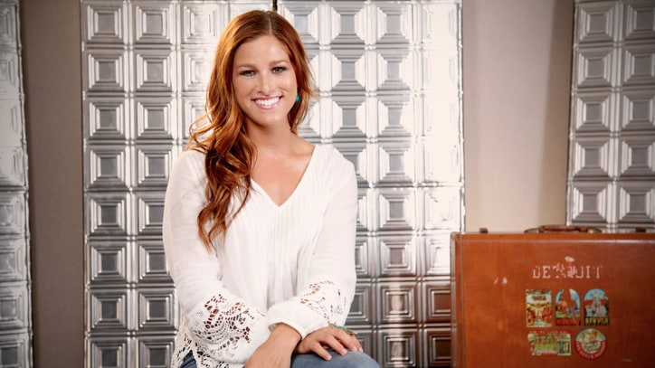 Cassadee Pope on Going Country: 'I'm Just Being Me'