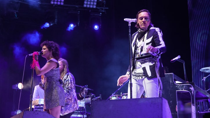 Arcade Fire Mash Up 'Smells Like Teen Spirit' With 'Rococo' in Washington