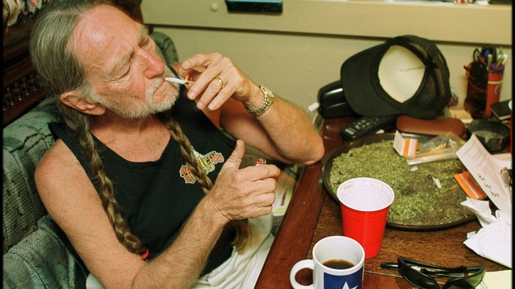 5 Amazing (and Possibly Apocryphal) Willie Nelson Stories